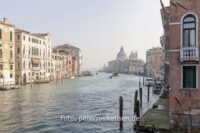 Foto auf Santa Maria von Accademia Brücke