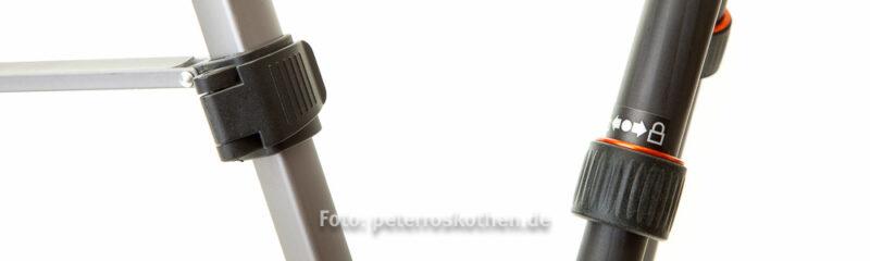 Stativ Klemmverschluss links, Schraubverschluss rechts