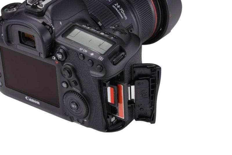 EOS 5D Mark IV Detail Dual Kartenslot - Fotos sichern ohne PC oder Mac