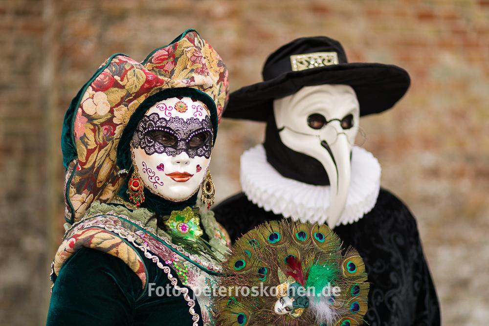 Venezianischer Karneval in Brügge, dem Venedig des Nordens - *on tour