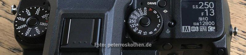 Fujifilm GFX 50S Bedienelemente und Schulterdisplay - Technische Fakten Fujifilm GFX 50S Testbericht