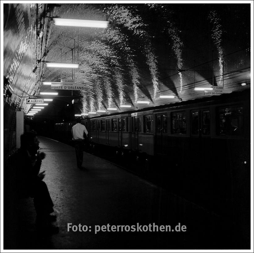 Paris Foto, Metro ca. 1980 - © Peter Roskothen Fotograf in Paris :-)