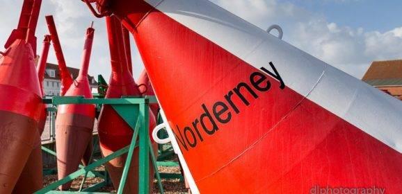 Norderney – Teil 2 – Der rote Regenschirm