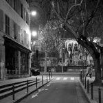 Paris Foto - Straßenszene bei Nacht