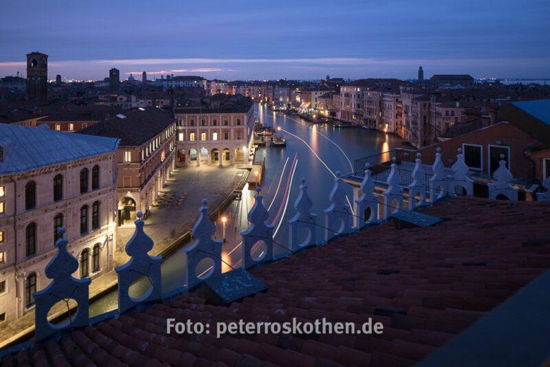 Canal Grande bei Nacht von oben