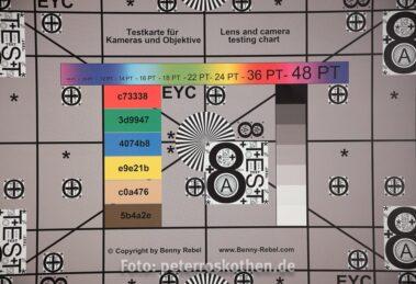 Testfoto GFX mit Canon EF 100mm L IS - deutliche Verzeichnung und Vignettierung bei F/2.8