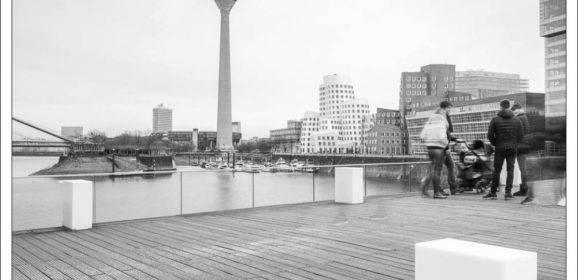 Schwarzweiß im Düsseldorfer Hafen – Architekturfotografie