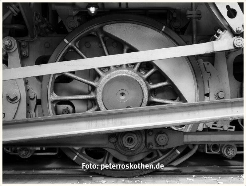 Eisenbahnrad schwarzweiß