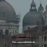 Rauschreduziert - Ausschnitt aus Venedig Foto mit ISO 1000 (Canon EOS 5D)