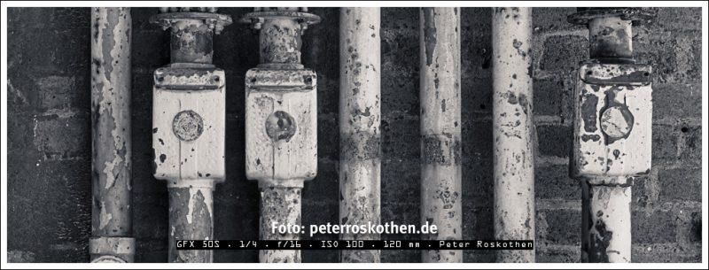 Fotografiert mit GFX 50S im Format 65:24, in Schwarzweiß gewandelt und bearbeitet mit Luminar - Duotone Tönung