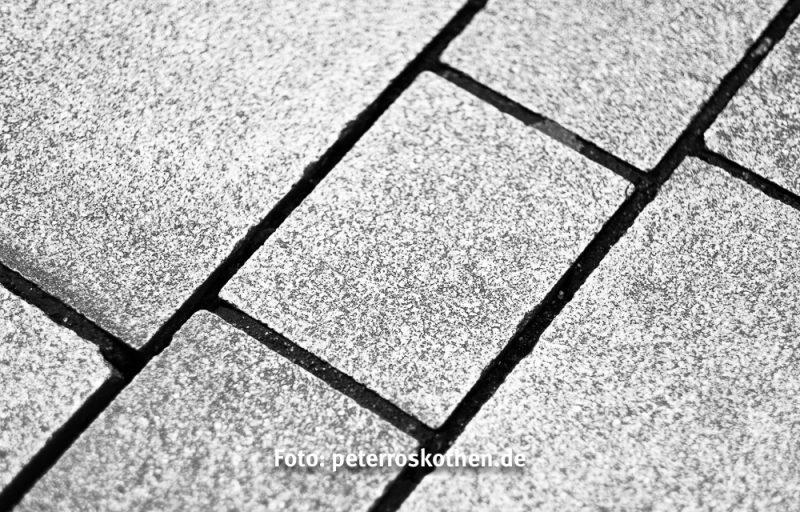 Schwarzweiß - Die Aufmerksamkeit liegt auf den Linien