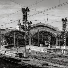 Der Kölner Hauptbahnhof- eine Fotoexkursion in Etappen – Stahl und Nieten