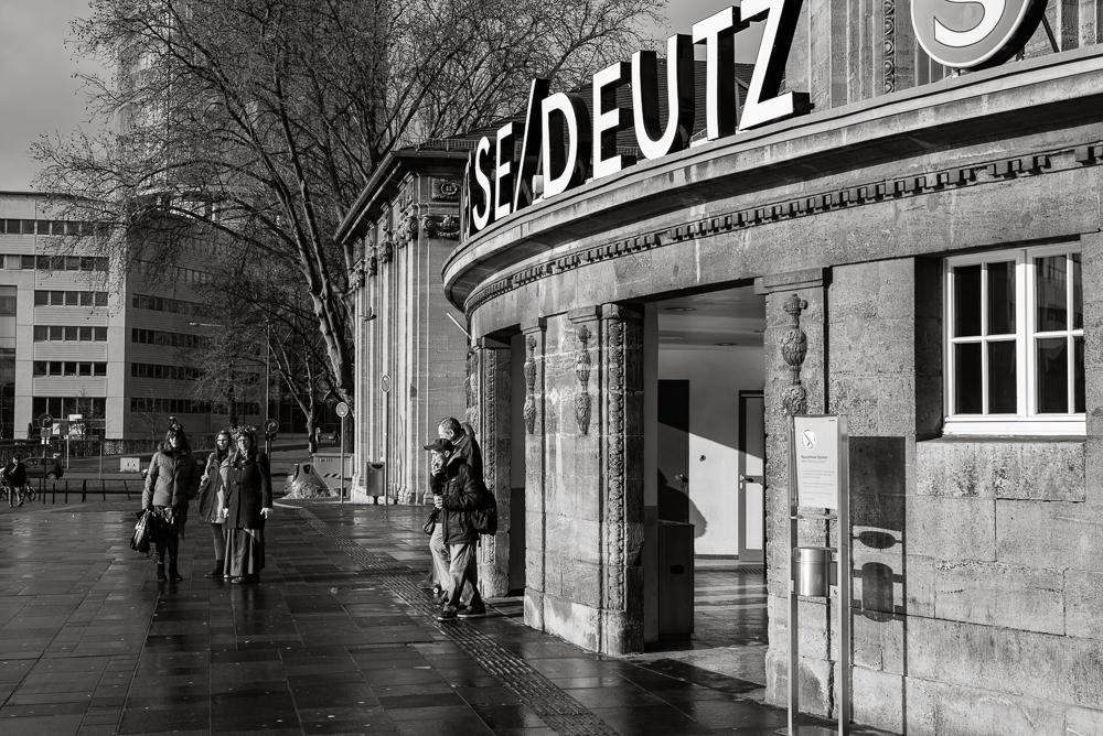 Bahnhof Deutz - Schäl Sick