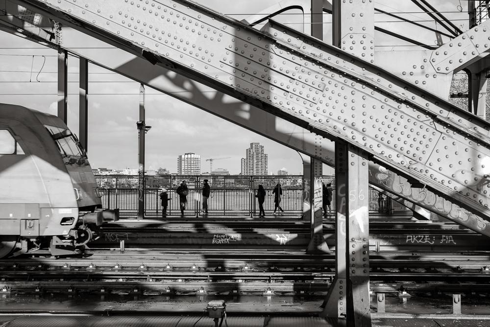 Hohenzollernbrücke - Durchblick mit Nieten