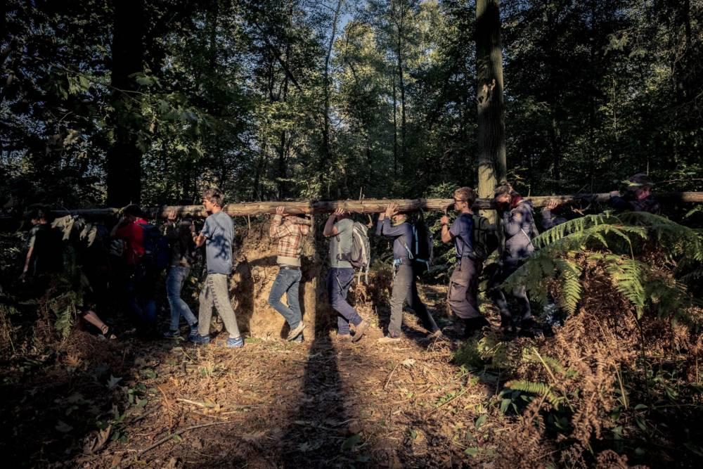 Waldspaziergang im Hambacher Forst: Barrikaden am Baumhaus Parag