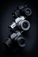 Die neue Fujifilm X-T30 in drei Farben, Silber, Anthrazit und Schwarz