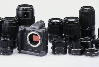 Das GFX 100 System mit Objektiven und Adaptern