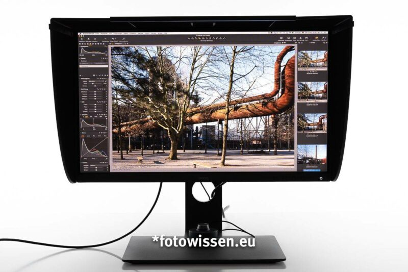 *fotowissen Test BenQ SW270C mit Lichtschutzhaube
