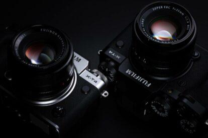 Silberne und schwarze Version der X-T4