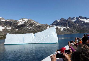 Eisberg Bild von Aline Dassel auf Pixabay