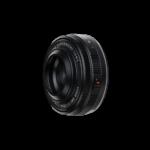 Fujifilm XF27mmF2.8 R WR Ansicht von schräg vorne